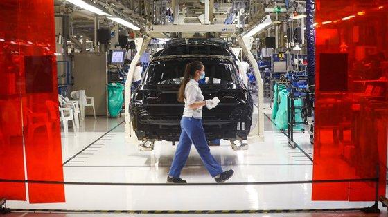 A fábrica de automóveis da Volkswagen diz ter reduzido as emissões de CO2 em 79,8%, entre2010 e 2020