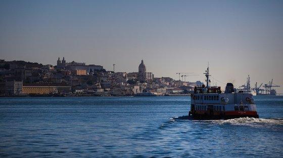 A interrupção do serviço de transporte da Soflusa está prevista na ligação Barreiro — Terreiro do Paço das 08h50 às 12h30