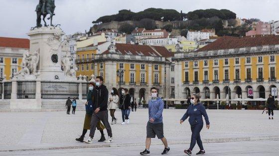 Uma percentagem de 58% dos portugueses inquiridos tem medo de sofrer represálias se denunciar casos de corrupção