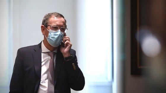 Miguel Guimarães afirma que o Governo estará agora sem qualquer cuidado em ter noção de qual é a atividade do vírus ou a gravidade da doença