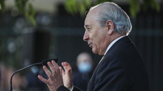 """O líder PSD, Rui Rio, recusou colocar a resposta das dificuldades da Administração Pública """"no patamar"""" do número de funcionários"""