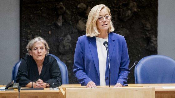 Sigrid Kaag ocupou o cargo de chefe da diplomacia num Governo interino holandês em exercício enquanto decorrerem as negociações para formar uma nova coligação de Governo, após as eleições gerais realizadas em março na Holanda