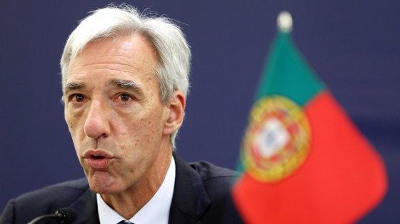 João Gomes Cravinho receberá o seu homólogo de Moçambique para um encontro de trabalho bilateral