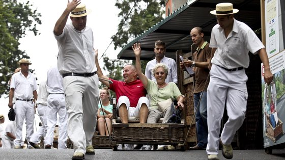 As dormidas de residentes em Portugal tiveram um aumento de 693,6% relativamente a 2020, atingindo as 141,1 mil, representando 38,5% do total