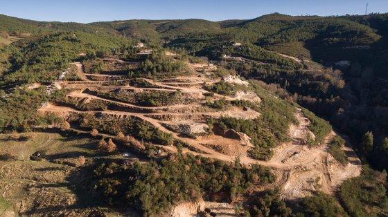 No âmbito da consulta pública do EIA da Mina do Barroso, que terminou em julho, foram efetuadas 170 participações e a decisão final deverá ser anunciada pela Agência Portuguesa do Ambiente nos próximos três meses