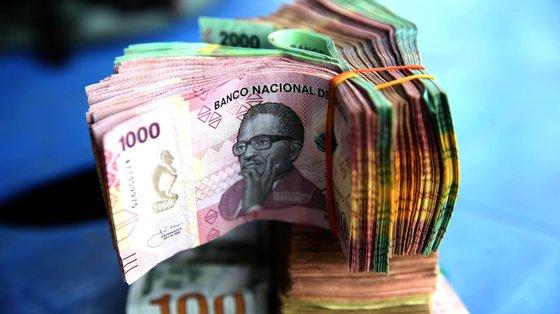 O contrato de abertura da linha de crédito será celebrado entre o Ministério das Finanças e o Banco de Fomento Angola (BFA).