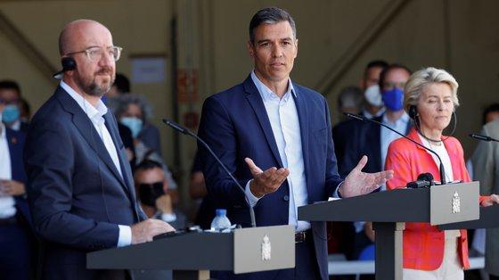 Sánchez falava durante uma visita a um centro de acolhimento de trabalhadores afegãos da União Europeia, perto de Madrid