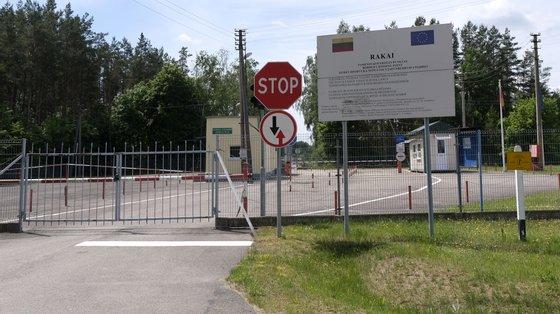 Os planos do governo lituano para criar novos centros de detenção de migrantes provocaram protestos violentos