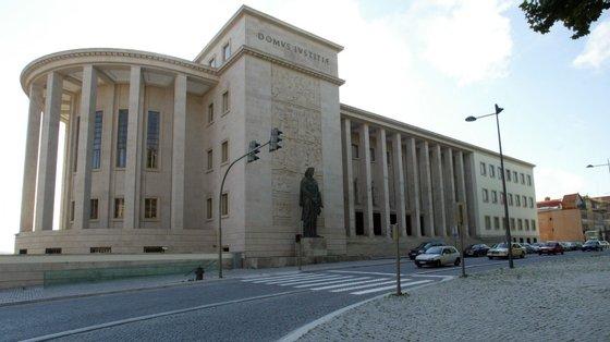 Há ruas cortadas nas imediações do Palácio da Justiça do Porto