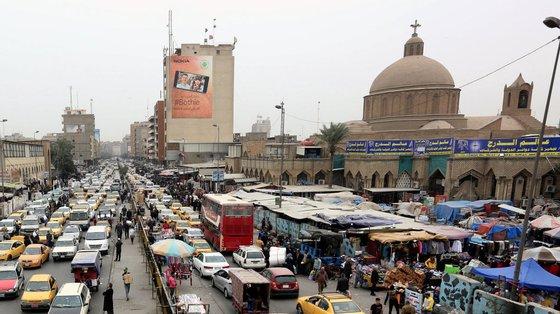 O Irão, país a que o Iraque deve seis mil milhões de dólares de contas não pagas de gás e eletricidade, decidiu na terça-feira 'fechar a torneira'