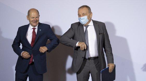 Para financiar a recuperação, a Comissão Europeia vai contrair, em nome da UE, empréstimos nos mercados de capitais até 750 mil milhões de euros a preços de 2018