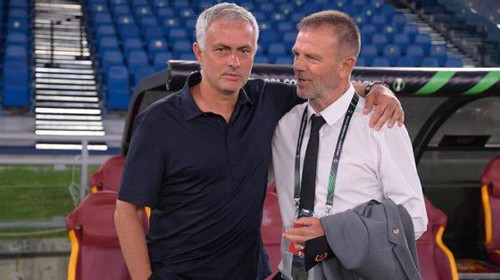 José Mourinho defrontou um nome conhecido do futebol português: Mladenov, antigo avançado búlgaro que passou por Belenenses, V. Setúbal, Estoril e Olhanense