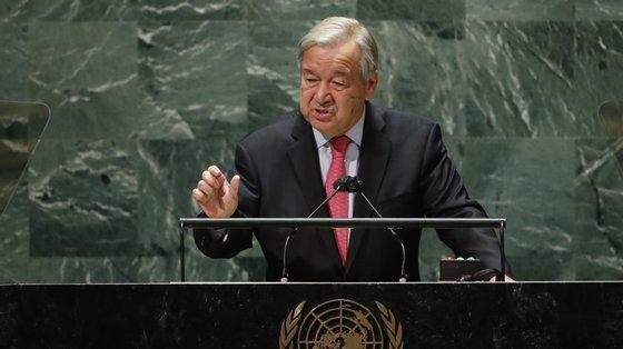 """""""Em vez do caminho da solidariedade, estamos num caminho sem fim para a destruição"""", lamentou Guterres"""