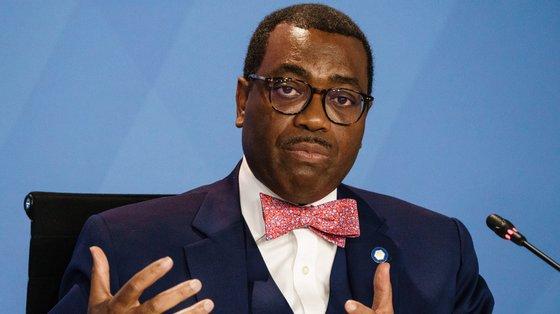 Adesina defendeu que o continente africano não pode depender do resto do mundo para resolver os problemas de saúde, nomeadamente no contexto da pandemia