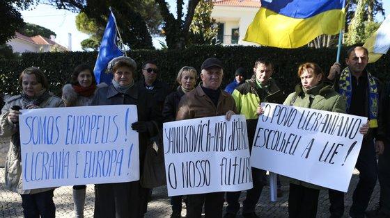 Protesto em 2013 em frente à embaixada ucraniana, no início de uma crise que já foi pretexto para mais de uma centena de manifestações