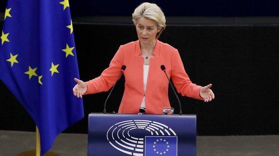 """Na passada quinta-feira, Josep Borrell lamentou que a UE """"não tenha sido informada e não esteja a par do que este acordo significa"""", mas rejeitou """"dramatizar"""" a situação"""