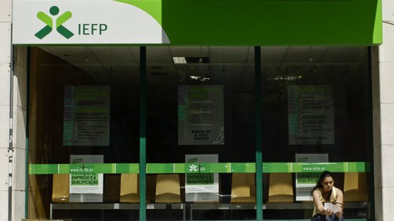 O objetivo é a promoção da simplificação administrativa e a redução da carga burocrática associada ao processamento dos apoios