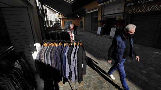 Portugal seguiu a tendência europeia, com o consumo dos agregados familiares a cair 3,6% nos primeiros três meses do ano
