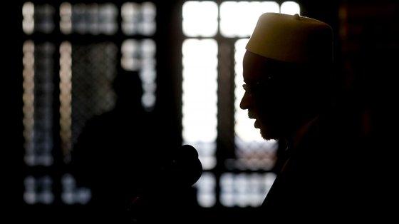 """""""Ridículo. Peço aos padres jesuítas: por favor, aprendam o Islão"""", afirmou xeque David Munir"""
