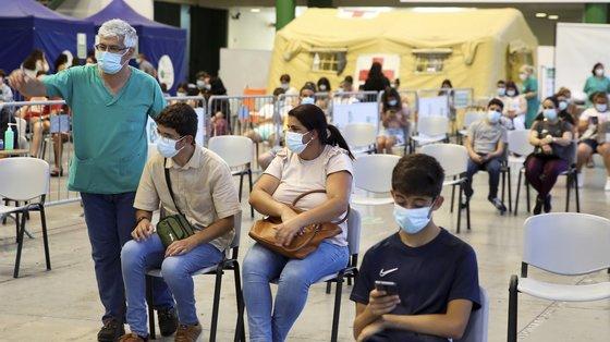 """Estima-se que nos centros de vacinação a modalidade """"Casa Aberta"""" deixe de estar condicionada apenas à vacina da Janssen durante a próxima semana"""