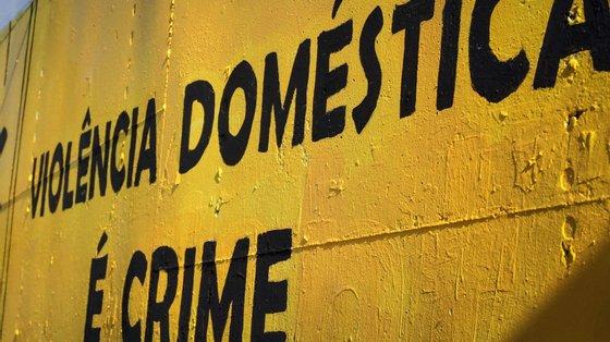 """No segundo trimestre deste ano foram abrangidas 3.892 pessoas por """"teleassistência"""" no âmbito do crime de violência doméstica"""