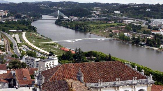 """Coimbra tem """"empresas notáveis a produzir, que reorganizaram os espaços de maneira ímpar, com qualidade, estética, conforto e produtividade"""""""