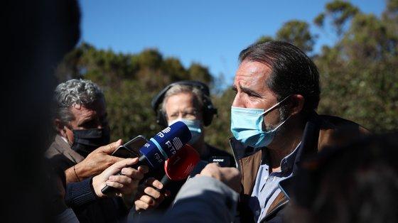 """""""Se no continente vão deixar a máscara em setembro, se vão fazer o pino no Cais do Sodré, não quero saber nada disso"""", afirmou Miguel Albuquerque"""