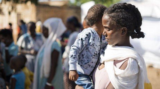 Os programas da Unicef no Sudão continuam a servir milhões de crianças, incluindo refugiados, através de atividades que salvam vidas