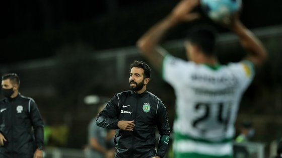 O jogo, com início marcado para as 21h00 locais (20h00 em Lisboa), no Signal Iduna Park, em Dortmund, na Alemanha, será apitado pelo sérvio Srdjan Jovanovic