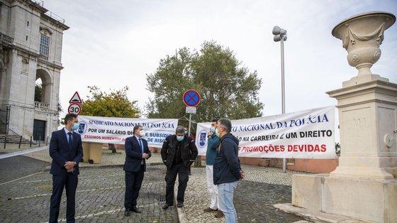 O Sinapol defende um subsídio de risco de 430 euros