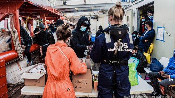 Desde o início de 2021, pelo menos 866 migrantes perderam a vida no Mediterrâneo tentando chegar à Europa
