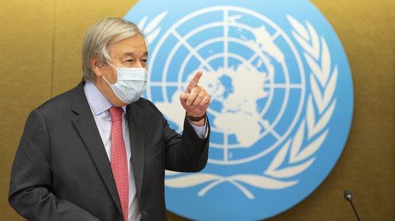 António Guterres criticou competição entre milionários