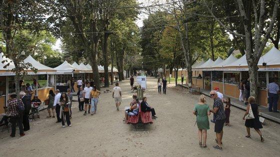 A Feira do Livro começa esta sexta-feira, decorre nos jardins do Palácio de Cristal e termina no dia 12 de setembro