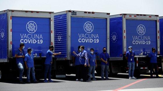 O acesso às vacinas é o maior desafio que se coloca aos países em desenvolvimento, para protegerem a sua população do impacto da pandemia de Covid-19