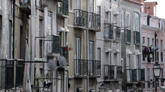 Nos contratos celebrados nos últimos três meses, o valor médio da prestação desceu sete euros, para 285 euros