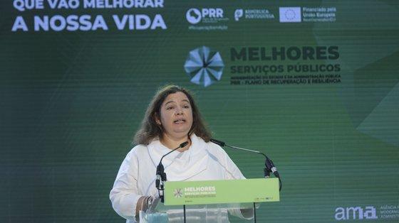 A ministra da Modernização do Estado , Alexandra Leitão intervém durante a apresentação do contributo do Plano de Recuperação e Resiliência (PRR) para a melhoria e modernização dos Serviços Públicos, esta manhã em Lisboa, 17 de setembro de 2021. MIGUEL A. LOPES/LUSA