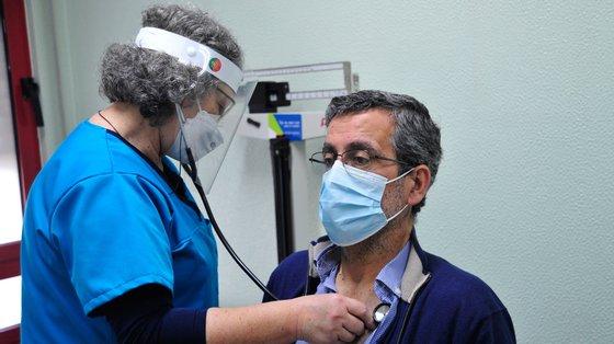 Os cuidados de saúde primários realizaram mais 3,1 milhões de consultas médicas do que no mesmo período de 2020