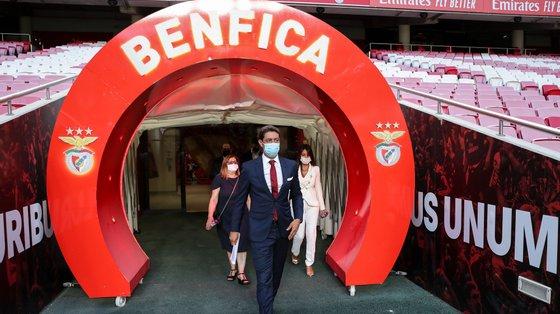 Esta emissão arrancou no dia 5 de julho, dois dias antes da detenção do agora ex-presidente do Benfica Luís Filipe Vieira, e a colocação dos títulos decorreu até 23 de julho