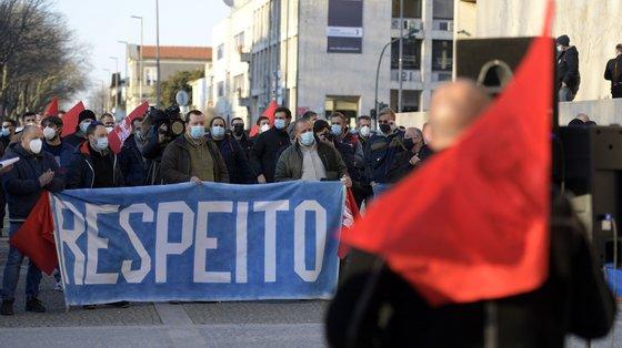 """Os sindicatos também criticam a autarca Luísa Salgueiro por abdicar """"de lutar pelos postos de trabalho"""""""