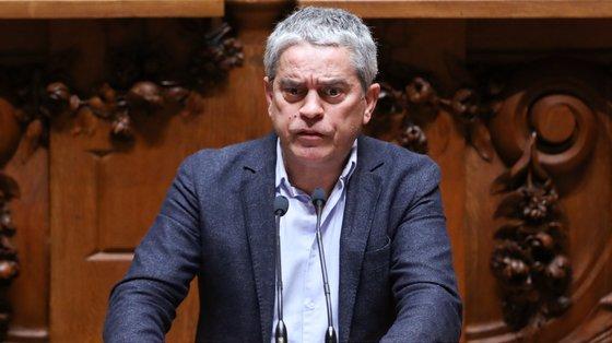 """O deputado referiu que a apanha desregulada de bivalves não só causa """"problemas sociais e laborais"""", mas também de saúde pública"""