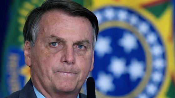 """""""Isso é liberdade de expressão. Está na Constituição. Respeito isso. Outros, não. Não é justo punir, abrir inquérito contra essas pessoas"""", referiu o presidente brasileiro"""