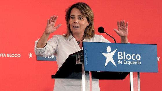 Catarina Martins quis deixar o tema do OE sempre mais ao longe e apenas foi respondendo aos jornalistas