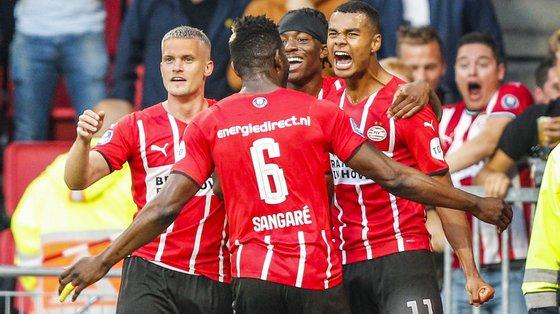 A vantagem de três golos é confortável para o PSV Eindhoven geri-la na segunda mão, na Dinamarca