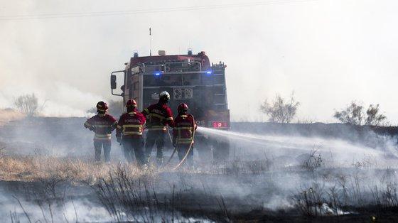 O fogo em Elvas que durava desde as 14h45 e que mobilizou 167 operacionais foi dominado às 21h45