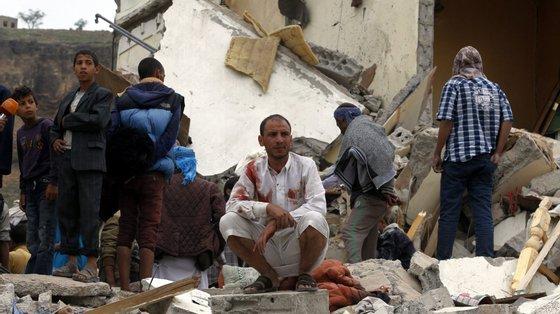 Segundo fonte do Governo, as mortes divulgadas são pelo menos 20 militares pró-governo, incluindo um coronel, e 30 rebeldes
