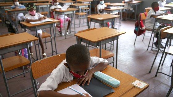 A empresa promotora do projeto revela a ambição de chegar a 150 agrupamentos de escolas em Portugal e 200 no Brasil até 2022.