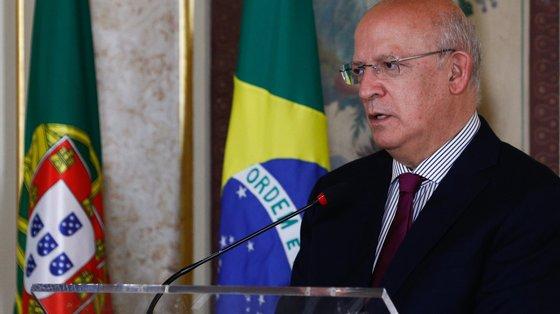 Augusto Santos Silva afirma que a cooperação entre os povos português e brasileiro pode ser assemelhada a uma árvore