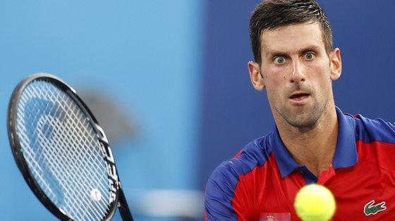 Novak Djokovic procura tornar-se no primeiro tenista a vencer os quartos majors e o ouro olímpico no mesmo ano