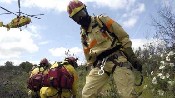 As operações de socorro mobilizaram os Bombeiros de Alandroal, o Instituto Nacional de Emergência Médica e a GNR