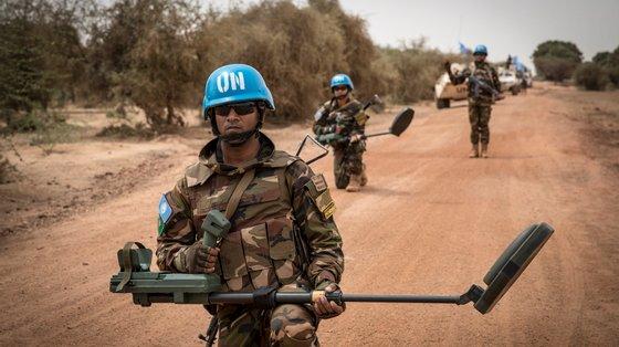 A MINUSMA, que é uma das mais dispendiosas e perigosas missões de manutenção da paz da ONU, foi autorizada a enviar até 13.289 tropas e 1.920 polícias para o Mali